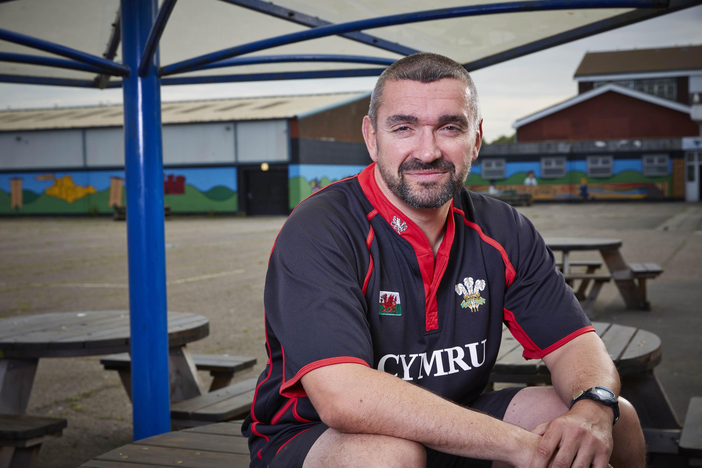 Educating Cardiff, Tom Bennett