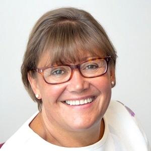 Dr Penny Barratt