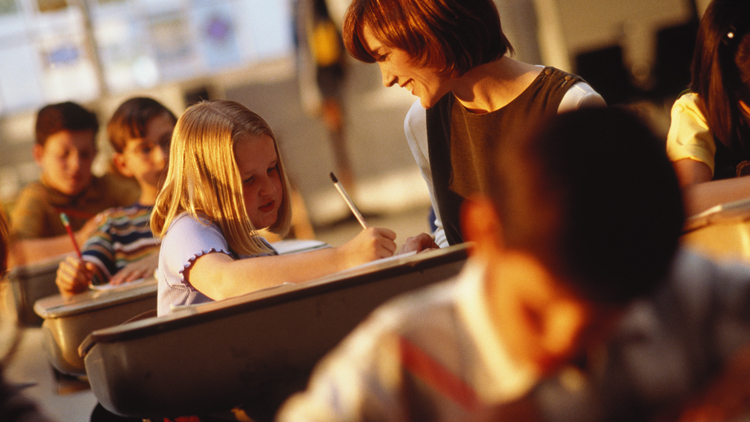 behavior essay school Classroom etiquette and student behavior guidelines the purpose of this information is to assist students in understanding proper classroom behavior school.