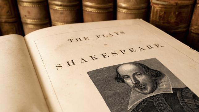 Open volume of Shakespeare's collected plays