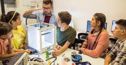 How could 3D printing helps schools to enhance pupils' learning experience?