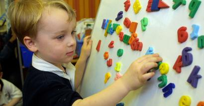 Many children with English as an additional language who join school in Reception outperform their English-speaking peers at the end of primary, research shows