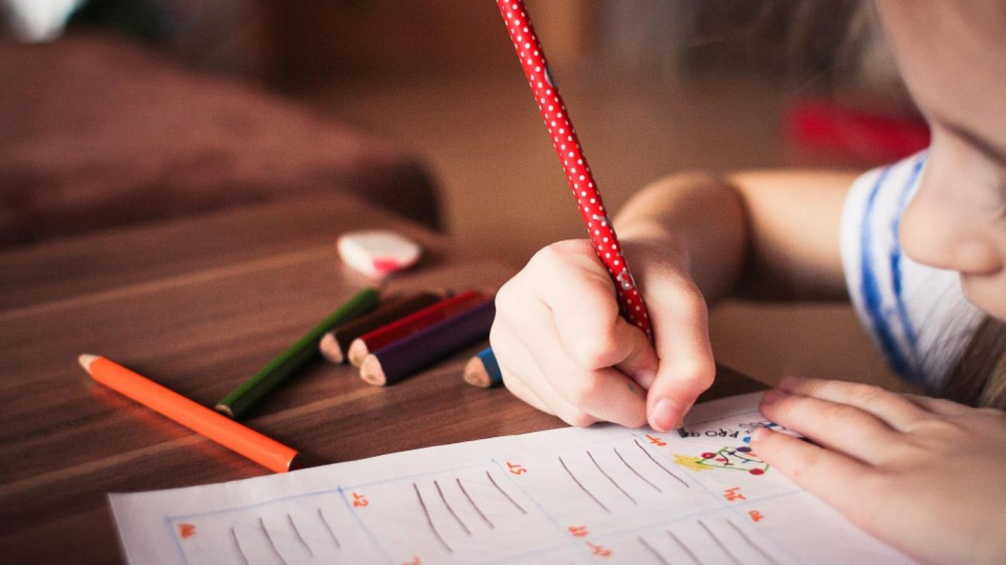 How to make a child do homework without tears and scandals