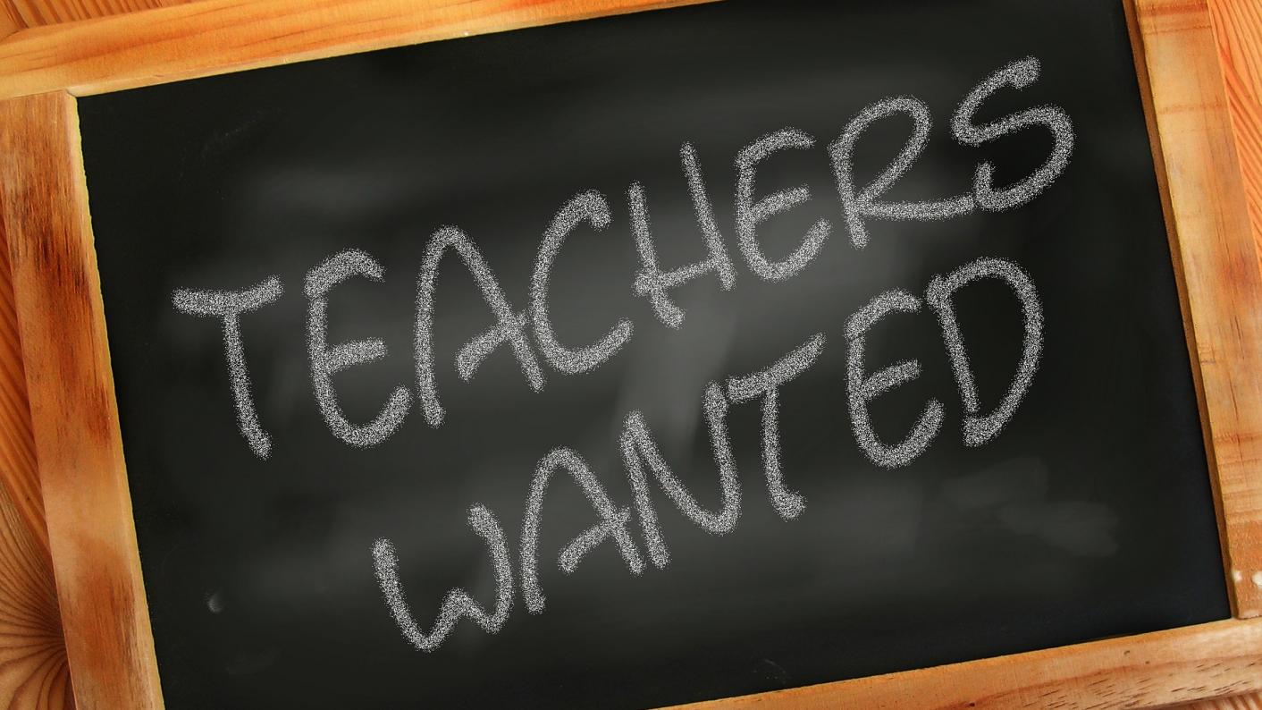 Teacher recruitment: 'Thousands of teaching jobs