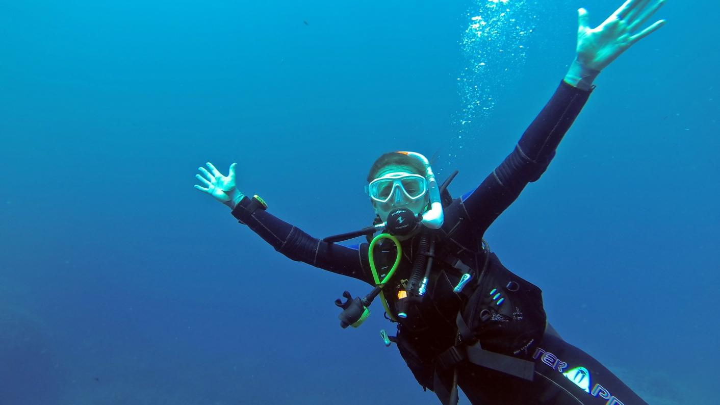 The Ofsted report says Al-Khair school faced pressure to prevent girls going scuba diving.