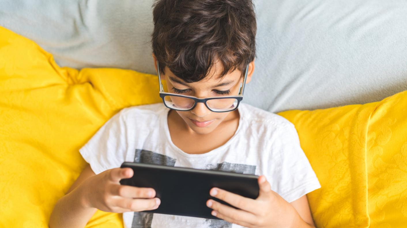 Technology replaces books for bedtime stories