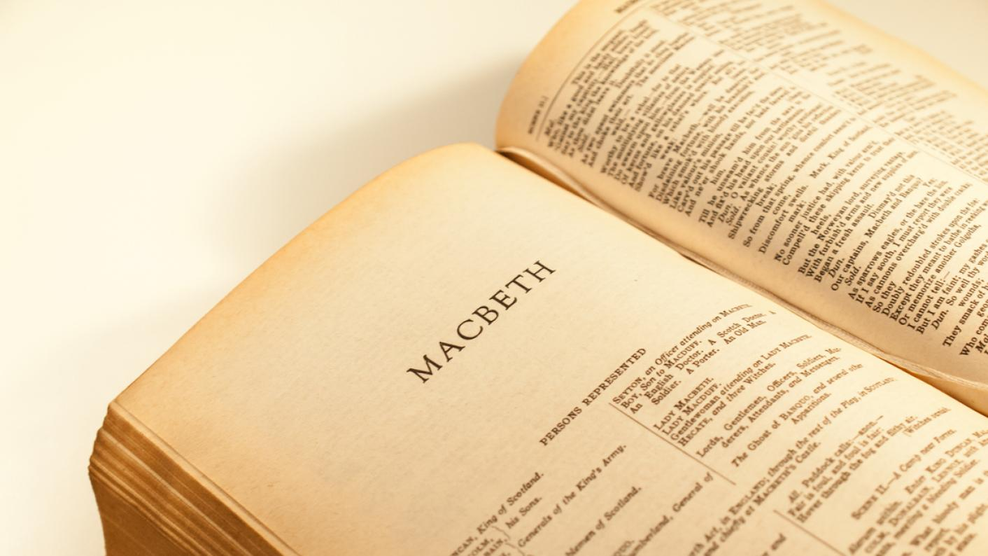 GCSEs: Row over 'barely accessible' Macbeth extract