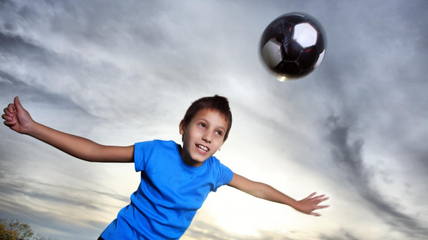 Primary pupils under-11 have been advised not to head footballs, following a study linking heading to neurodegenerative disease