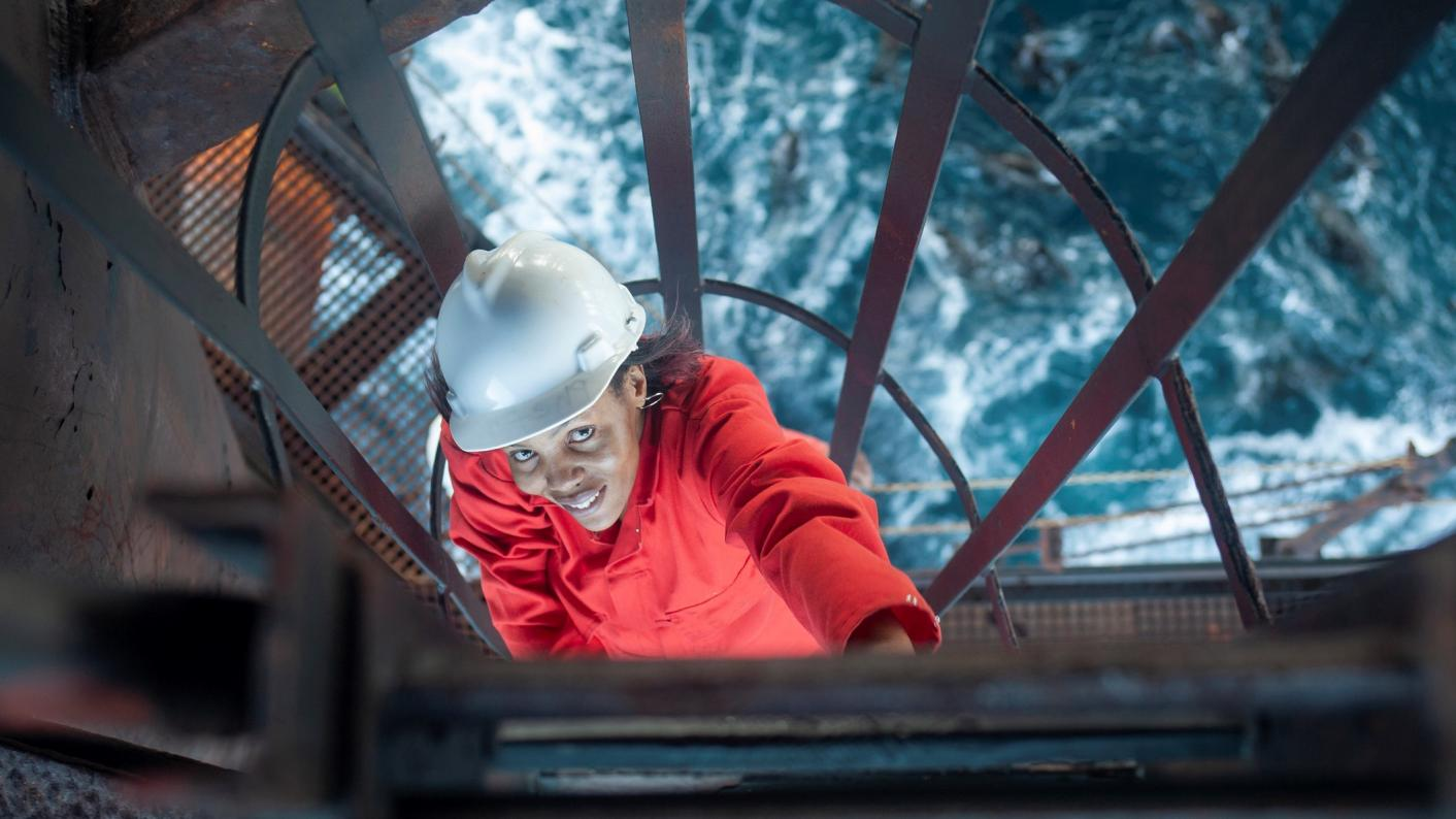 FE colleges: woman working on oil platform