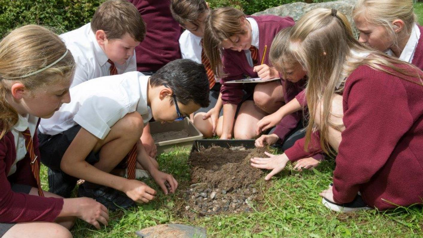 Taking science lessons outdoors | Tes | EDF Energy