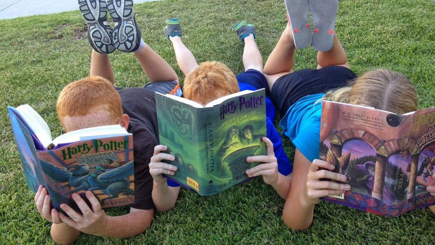 5 ways to create better readers (and go beyond phonics)