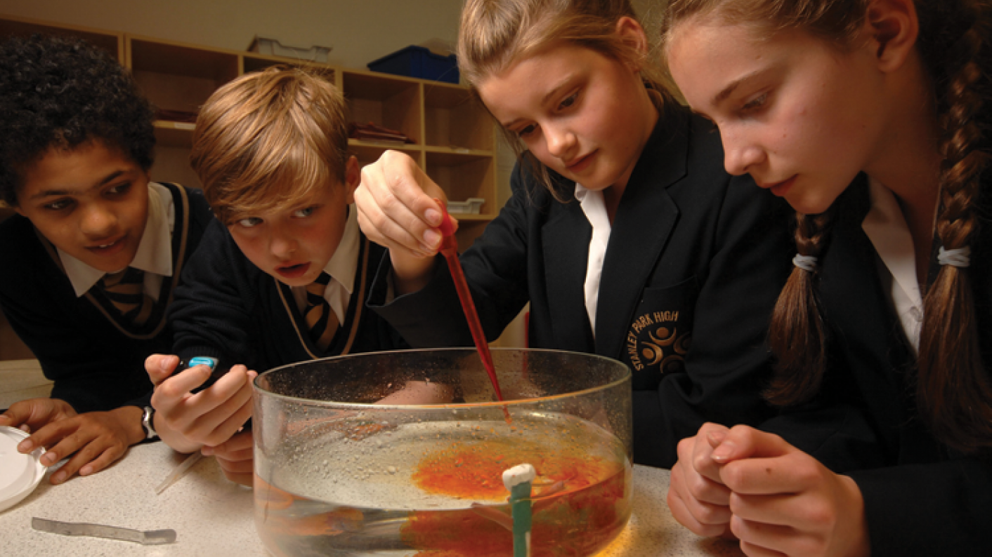 Project-based learning holds back poor pupils